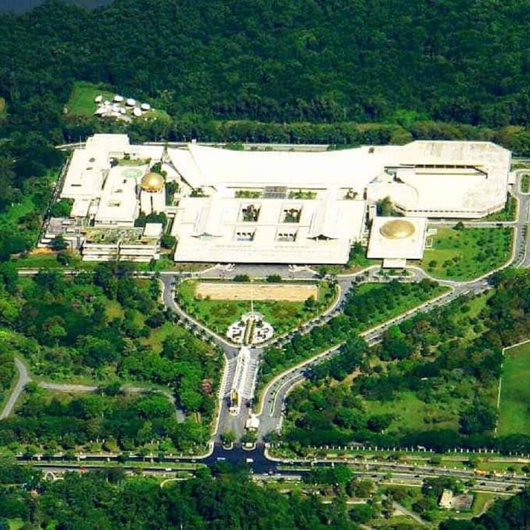 Istana Nurul Iman Palace – Brunei – 2.15 million square feet