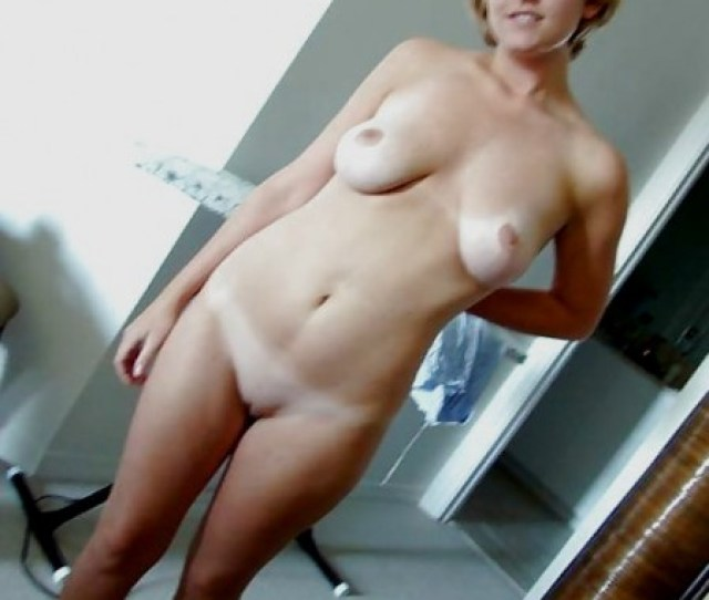 Blonde Milf Naked And Freshly Shaved