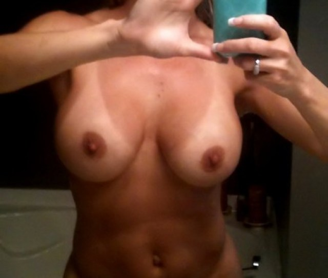 Check Out Her Profile On Naughtyover40 Com For More Pics Fit Milfs Naked Selfie