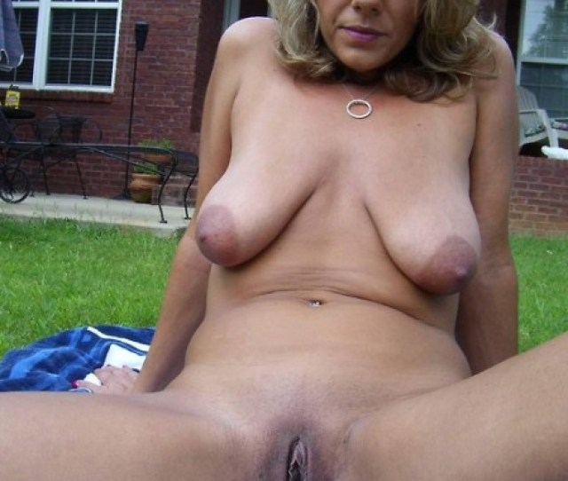 Naked Milf Getting Some Sun Private Milf Pics
