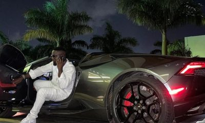 expensive artistes in Ghana, Sarkodie sitting in a car