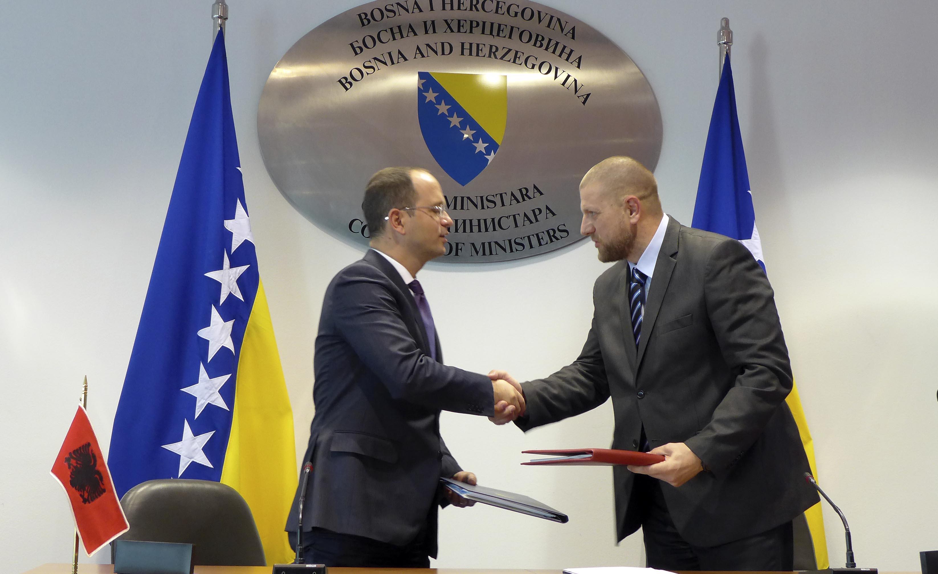 Ministarstvo Komunikacija Albanija 2