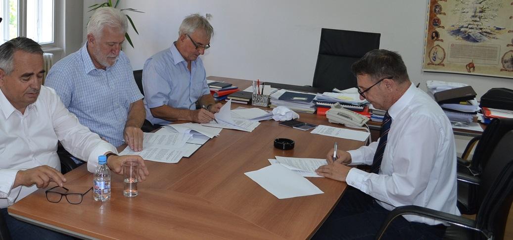 710.000 KM Za Rekonstrukciju Kanalizacione I Vodovodne Mreže U Ilijašu, Hadžićima I Trnovu