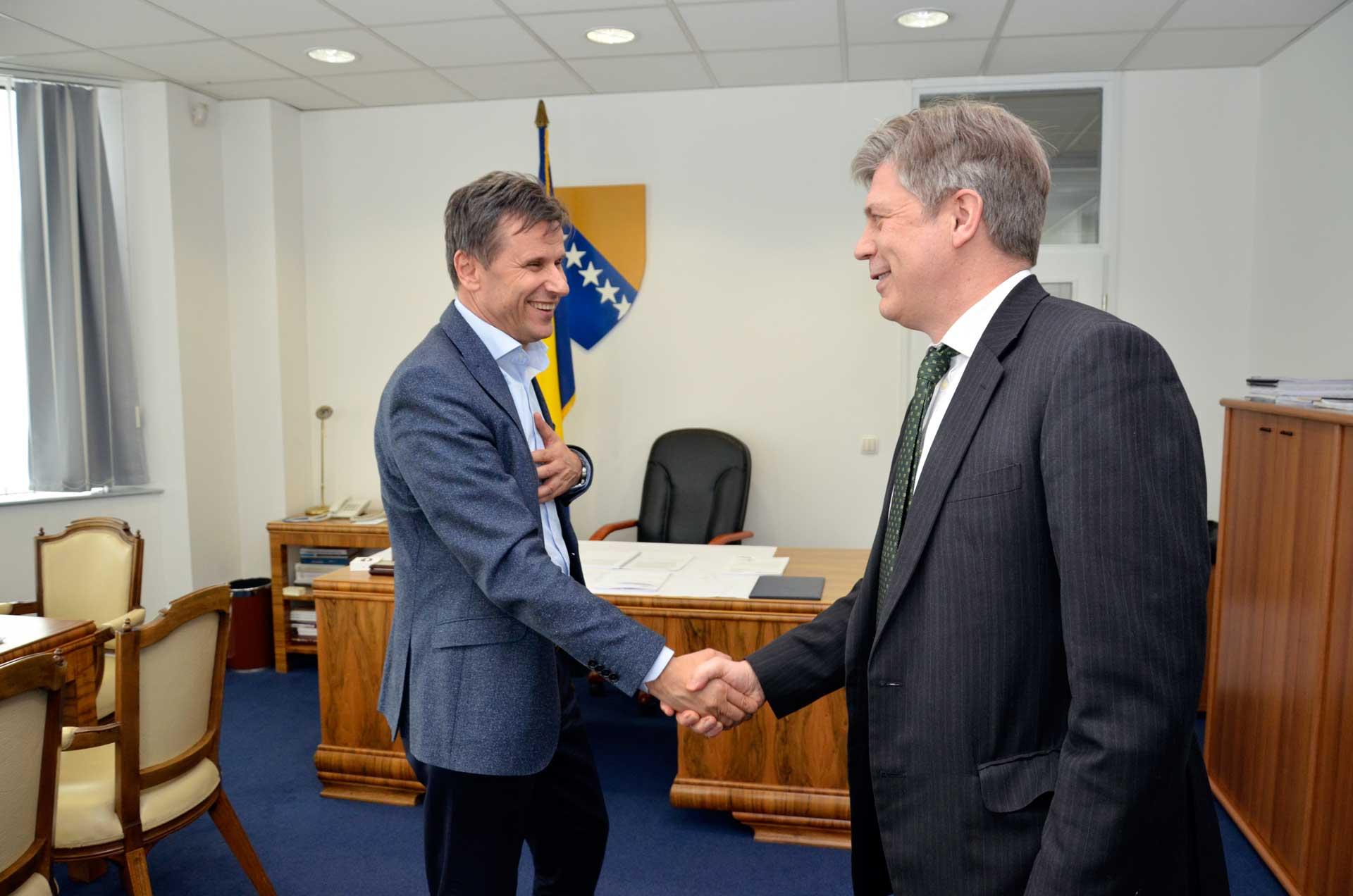 Premijer Novalić Sa Ambasadorom Wigemarkom