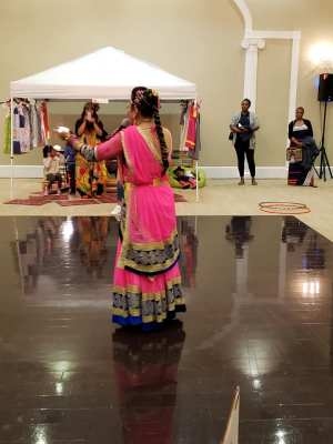 Bollywood dance teacher in Cary and Morrisville , Raleigh Durham