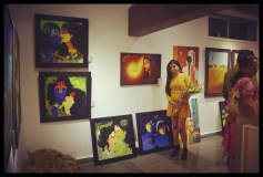 felicitatation-of-astrologer-priyanka-sawant-in-painting-exhibition-at-the-easel-art-gallery-juhu-10