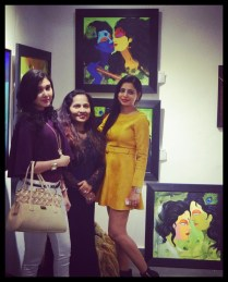 felicitatation-of-astrologer-priyanka-sawant-in-painting-exhibition-at-the-easel-art-gallery-juhu-8