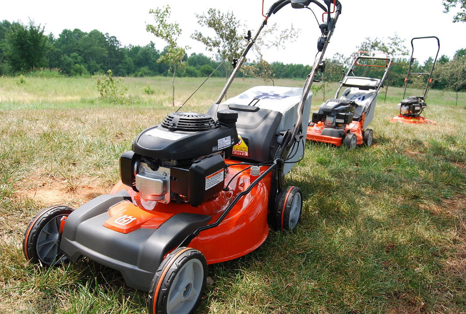 Best commercial walk behind mower buying guide