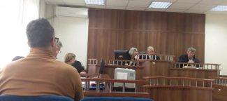 Prizren: Shtyhet gjykimi ndaj policit që akuzohet se përvetësoi pesë eurot e personit të ndaluar