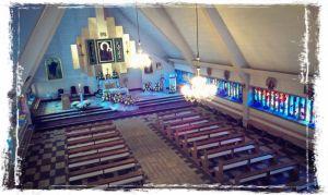 churchinside 300x179 Informacja dla osób odwiedzających