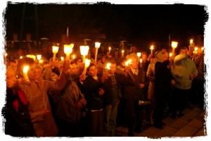 candles 300x200 Garść danych