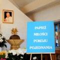 Papież miłości, pokoju..