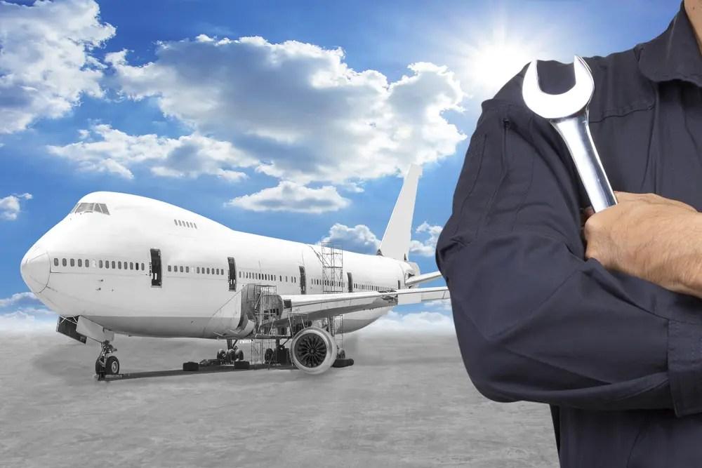 飛行機の整備や修理を行う航空工場検査員