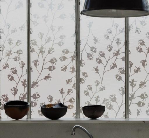 Décoration de fenêtres avec film pour vitres dépoli « végétal» – Motifs by © Sophie Briand
