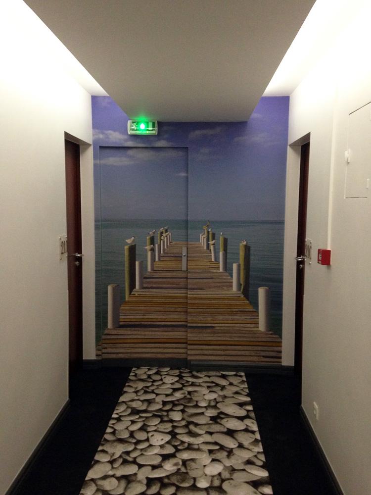 Habillage de porte- HOTEL LES SABLES D'OLONNE