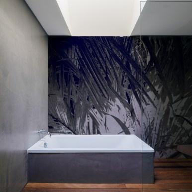 Papier peint Dark blue foliage - Spécial salle de bain