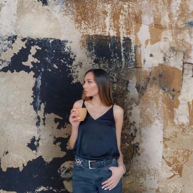 Les papiers peints façon Trash panoramiques « SURFACES » d'Alice Asset apportent un effet de matière original sur vos murs.