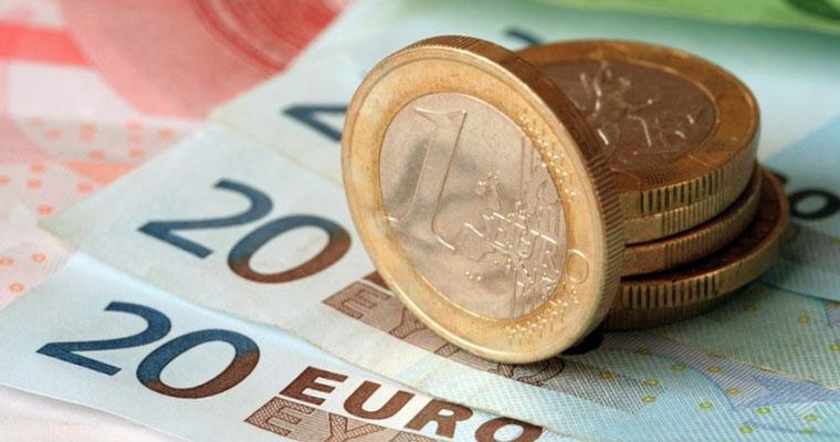 Платит ли глава кфх 1 от дохода свыше 300000