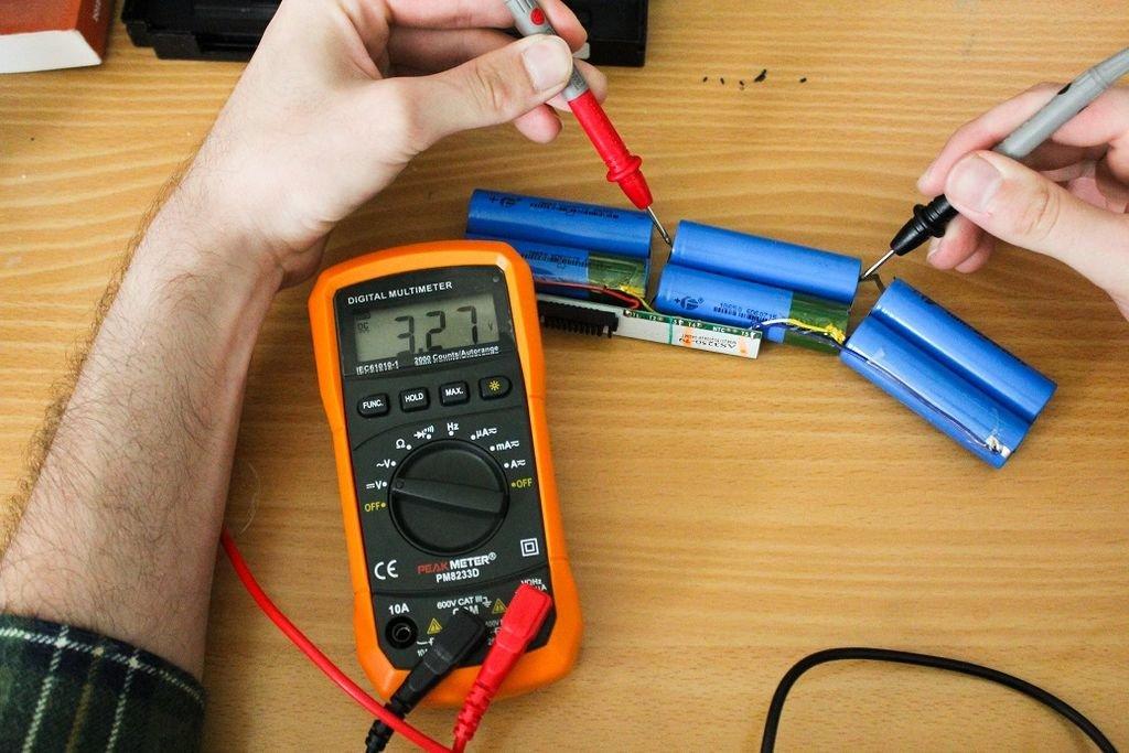 Cómo restaurar la computadora portátil de la batería (batería): consejos útiles y recomendaciones útiles