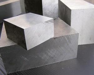hliníkové desky, přířezy a výpalky