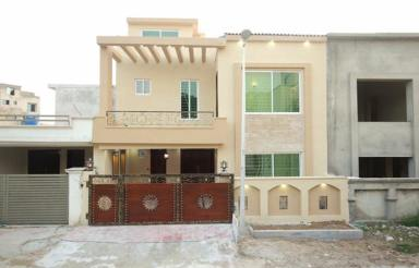 7 marla House for sale probahriatown (18)