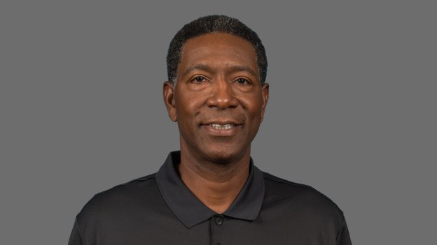 Timberwolves coach Sam Mitchell