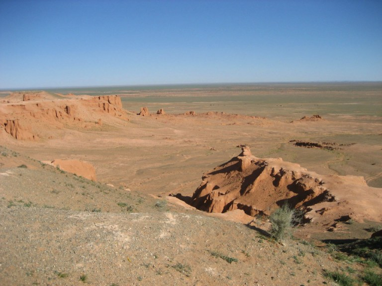 overlooking the great valley where dinosaur fossils and eggs were found. You can visit here if you stop in Mongolia when you travel the Trans-Mongolian Railway