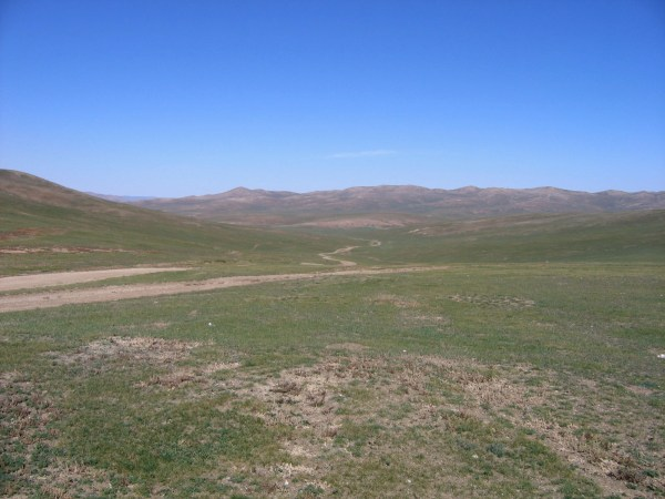 exploring the Gobi desert is on of the top things to do in Mongolia in 2 weeks