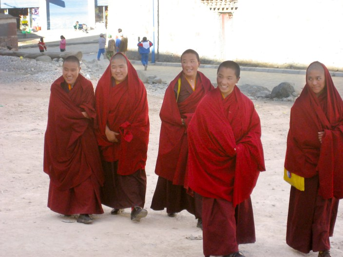 7 days in Tibet, travel the friendship Highway to Mount Everest and interact with the local nons