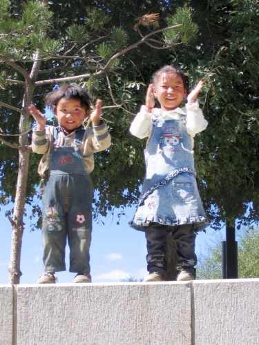 7 days in Tibet, travel the friendship Highway to Mount Everest and interact with the local children
