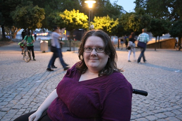 In my Chronic Illness Chronicles guest blogger Shannon tells her story on travel in a wheelchair and about the challenges of travel with chronic back pain.