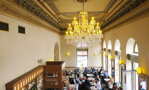 Café Savoy in Prague: Is it worth the wait?