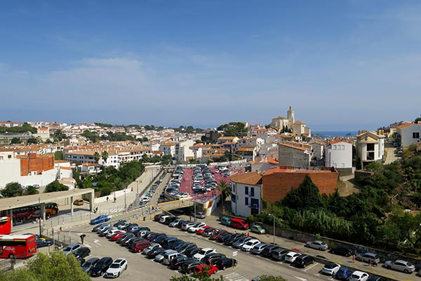 3-day Costa Brava road trip from Barcelona Spain. I share the places to stop, where to stay and eat and the best route to explore around Girona, Cadaquez and Figueres.
