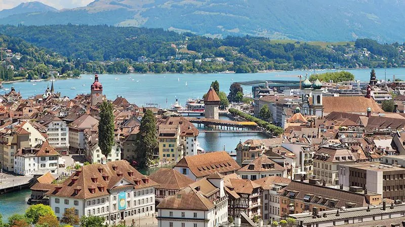 I share the most most beautiful places in Switzerland you cannot miss. I select the best cities in Switzerland to visit and the most scenic towns to stay.