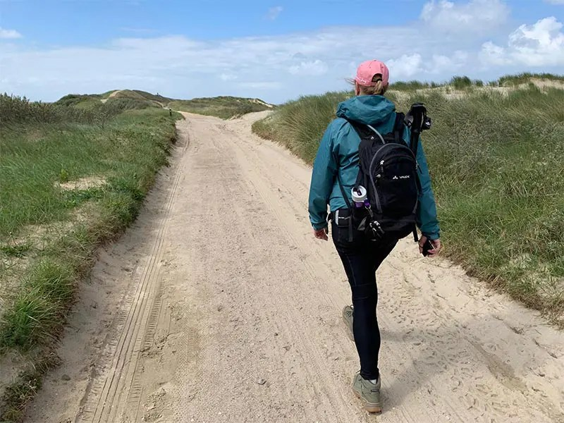 As a curvy women, it is hard to find the right legging for hiking.The Fjällräven Abisko Trekking Tights are perfect for hiking and I share why I love them