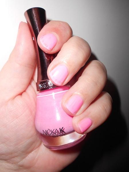 nicka-k-nagellack-rosa-auf-naegeln-probenqueen