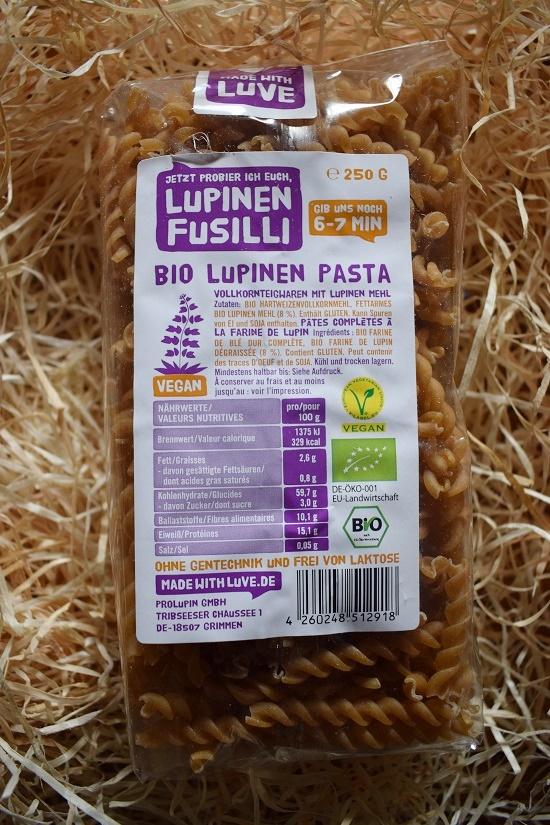 Brandnooz-Genussbox-November-2017 made with luve Bio Lupinen Pasta Probenqueen