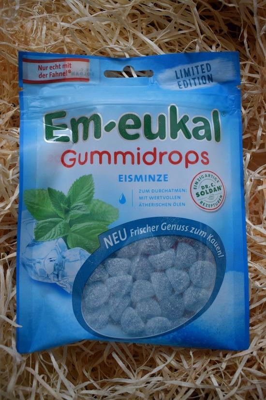 Beutel mit Em-Eukal Gummidrops Limited Edition Geschmacksrichtung Eisminze von Dr. Soldan