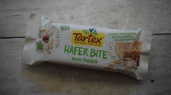 Degustabox 2019 Tartex Hafer Bite Nuss flapjack