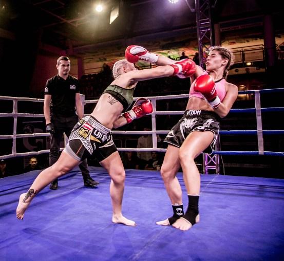 Christin Fiedler, Amra Babajic, Pro Kickboxen, Salzburger Fight Night, Sporthalle Alpenstraße, Salzburg, 20171015, (c)wildbild