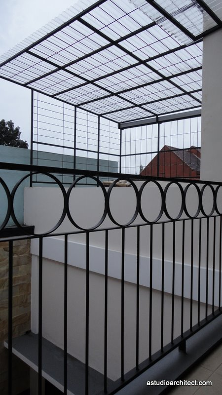 Contoh atap awning polycarbonate untuk area jemur dak atas