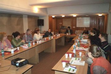 Voluntariatul, un dar pentru comunitate, in dezbaterea ONG-urilor brailene
