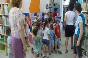 """Clubul de teatru """"Mini-Ambitiosii"""" cauta tinere talente"""
