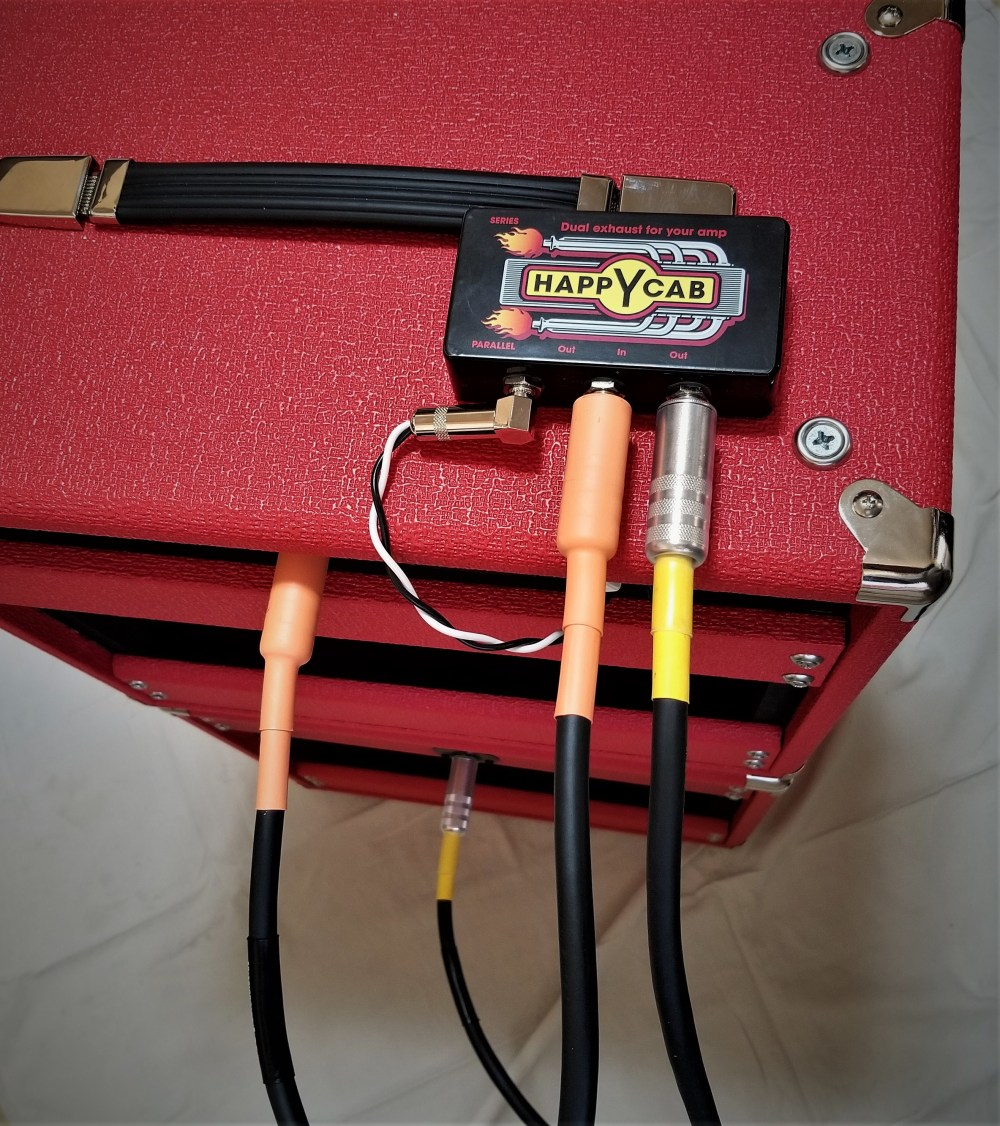 medium resolution of this single output amp can now be safely hooked up to the combo speaker and the extension cabinet both speakers are 16ohm so parallel is 8ohms at the amp