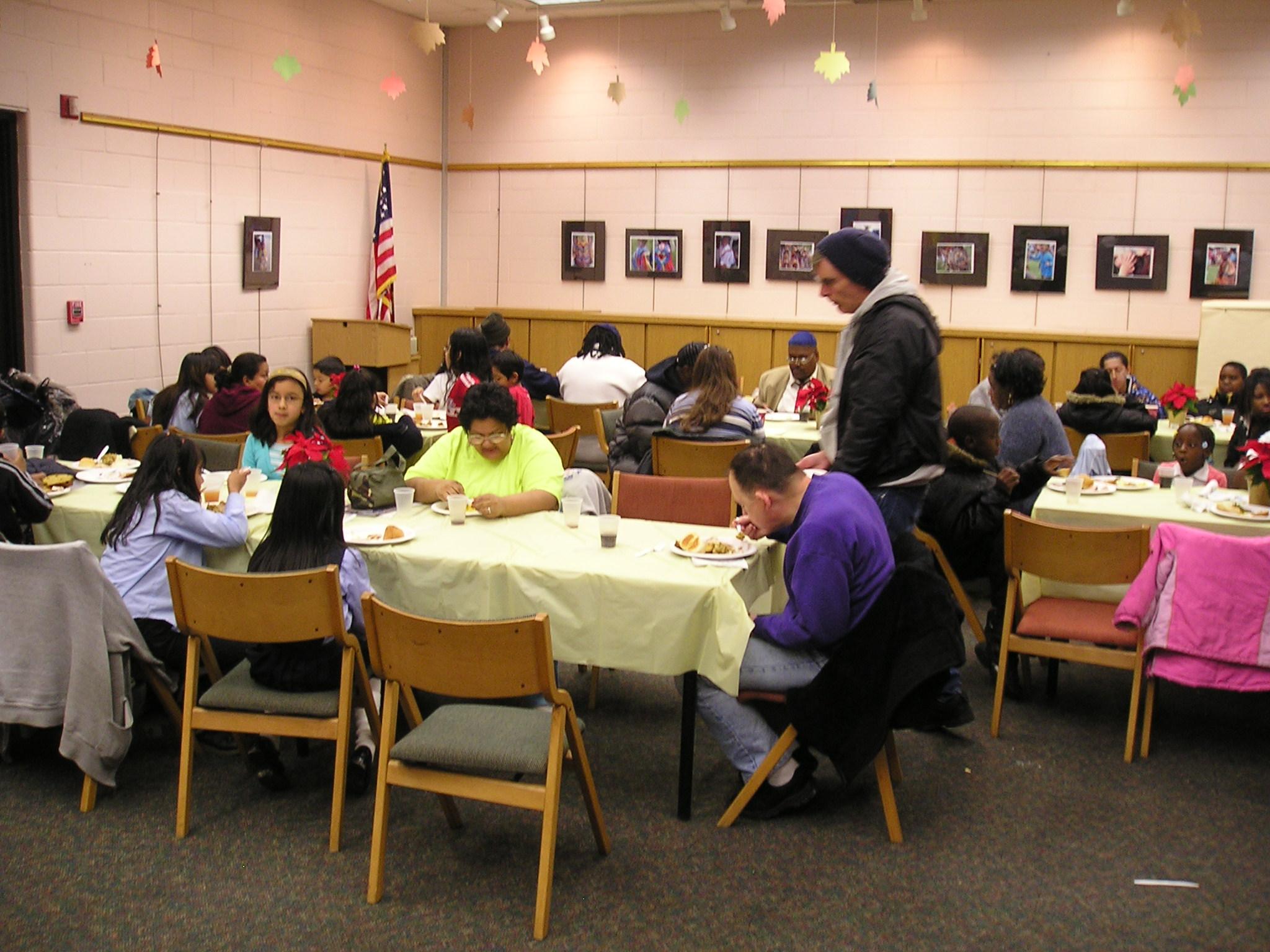 community-thanksgiving-dinner-012