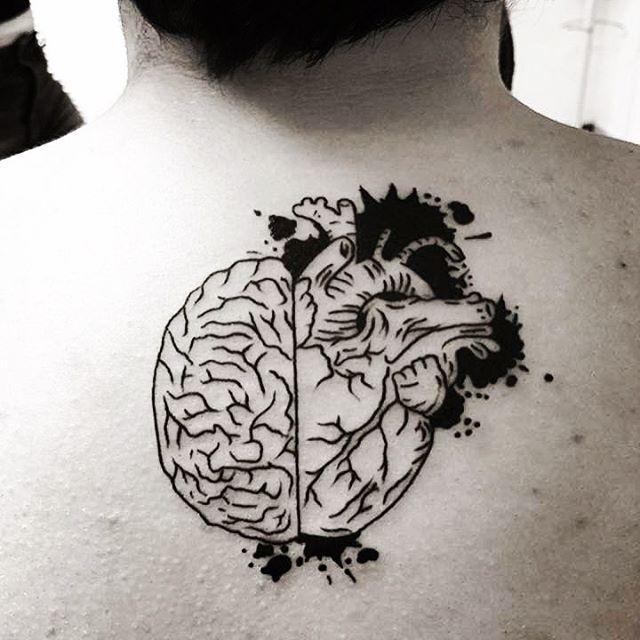 Tatuaje, cerebro y corazón un mismo organo
