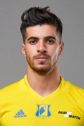 Del seleccionado Iraní, Saeid Ezatolahi; un chico muy guapo en su selección