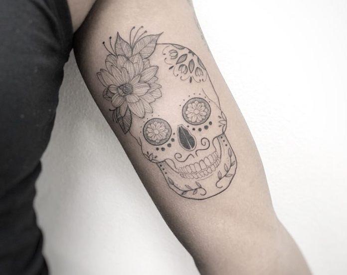 tatuaje de una pequeña calabera