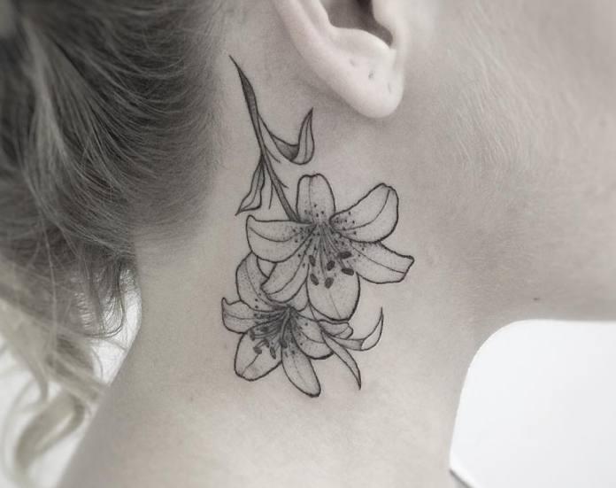 tatuaje detras de la oreja