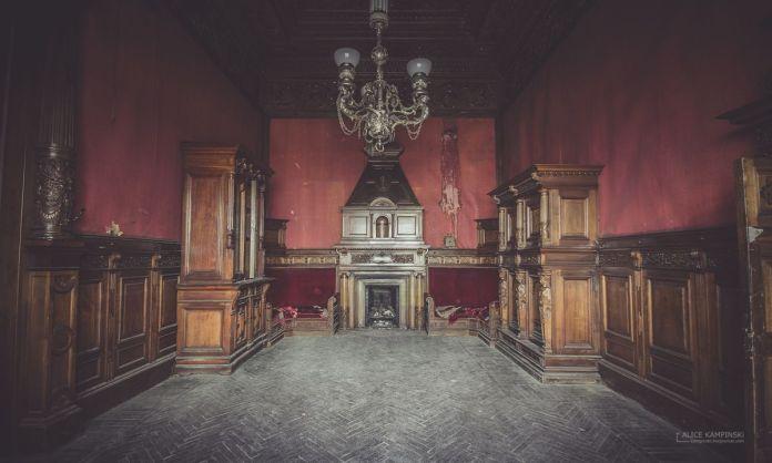 Mansión Brusnitsin uno de los lugares fantasmagóricos de Rusia